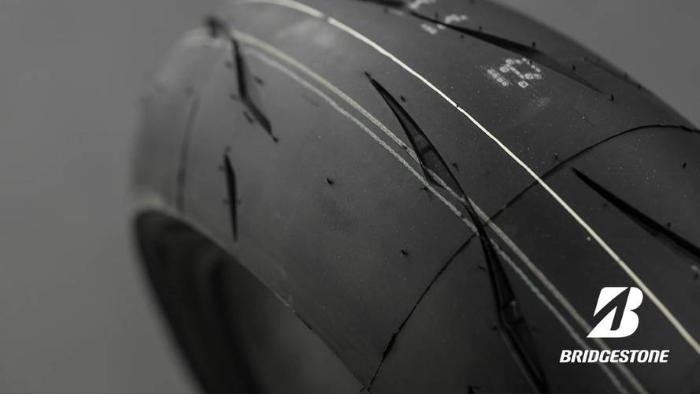 Bridgestone R11 test