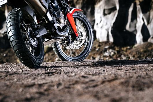 Metzeler Karoo Street adventure tyre
